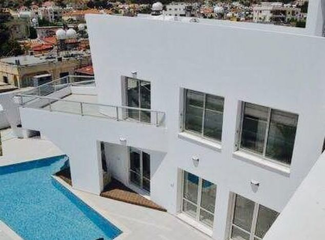 Purchase of villas in Oroklini village 12139