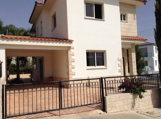 Purchase of villas in Oroklini village 15827