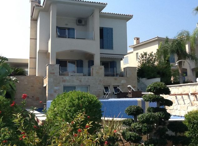 Townhouses for rent in Pissouri 5573